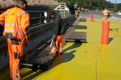 Abdichtungsarbeiten auf Brückenbauwerken